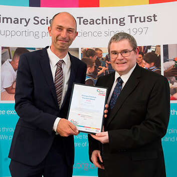 Robin James receives one of the 2018 Primary Science Teacher Awards.